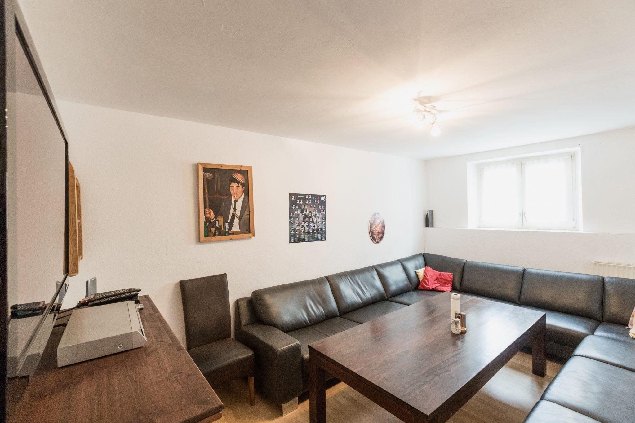 Studentenwohnheim Bingen Teutonenhaus Wohn und Fernsehzimmer 3